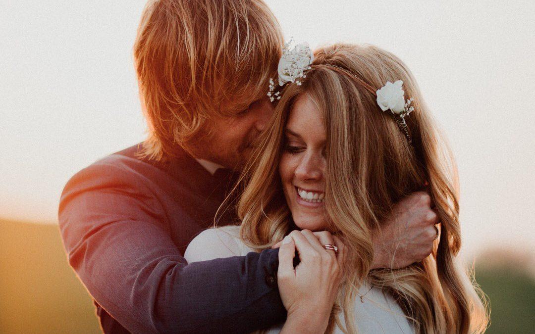 Ein großartiges Engagement-Paarshooting im Boho Stil