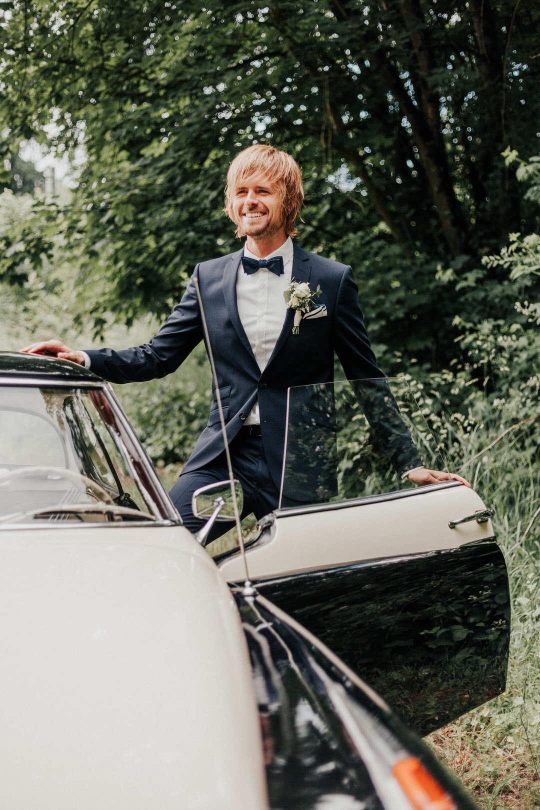 Bräutigam Style bei Boho-Hochzeit in Limburg, Hessen