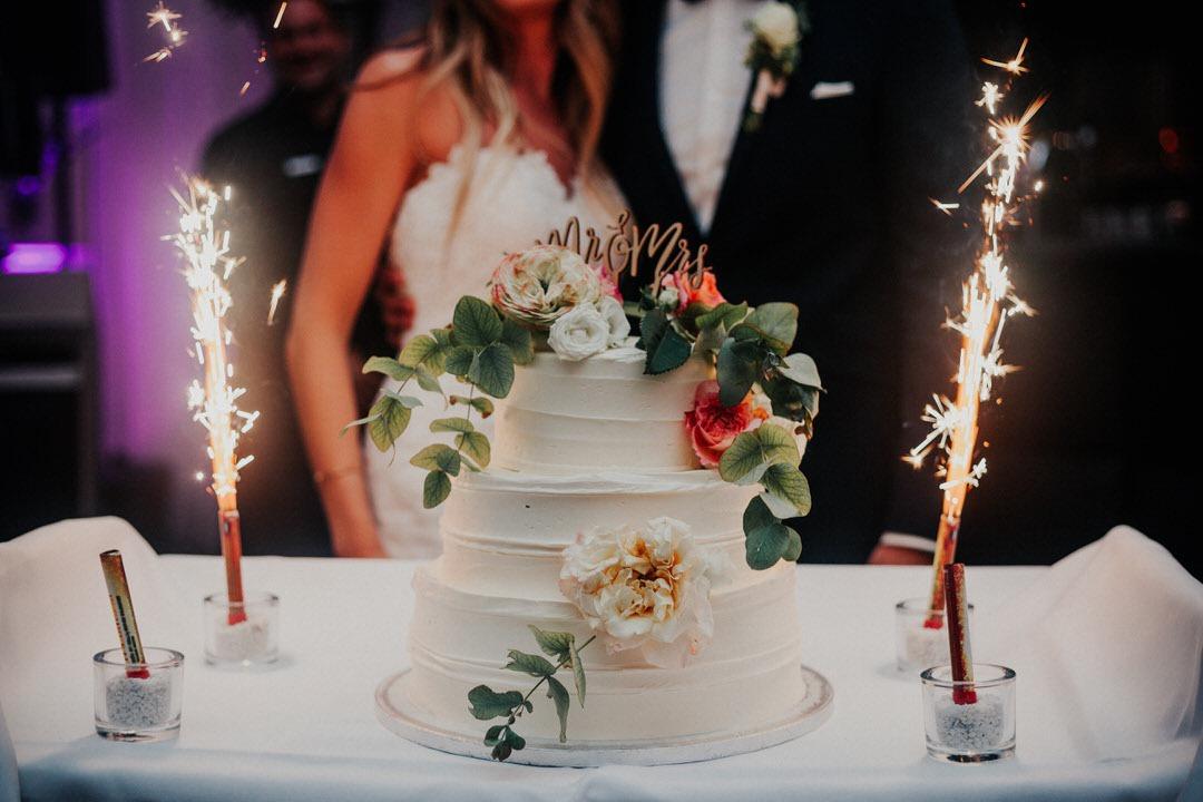 Inspiration für Hochzeitstorten im Boho-Stil