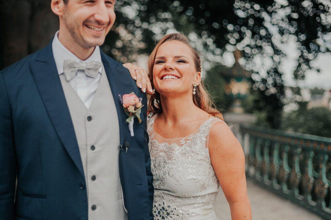 Natürliche Hochzeits-Paarfotografie im Schlossgarten Weilburg, Raum Limburg-Weilburg