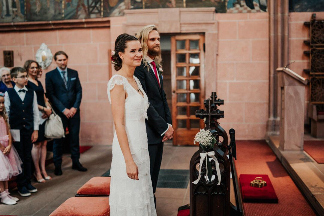 Brautpaare heiraten in der Deutschordenskirche in Frankfurt