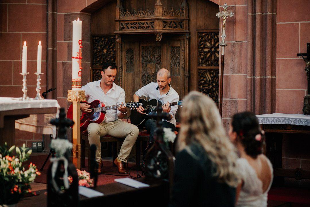 Emotionale und authentische Hochzeit im Boho-Hippie-Stil mit Fotograf aus Frankfurt