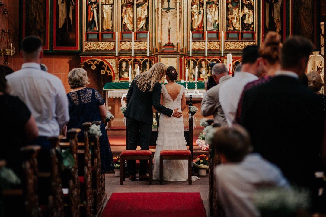 Emotionale Hochzeitsmomente in der Deutschordenskirche