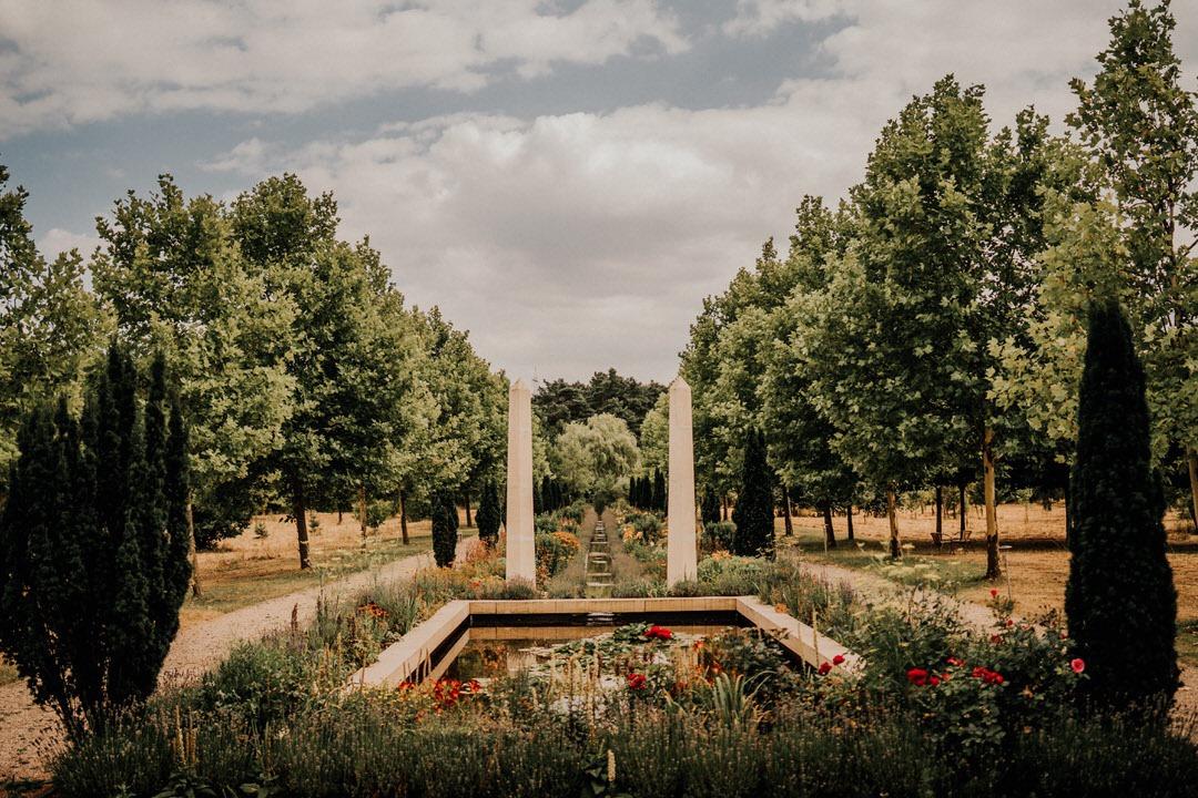 Hochzeitsfeier Location im Garten des Hotel Artrium am Park
