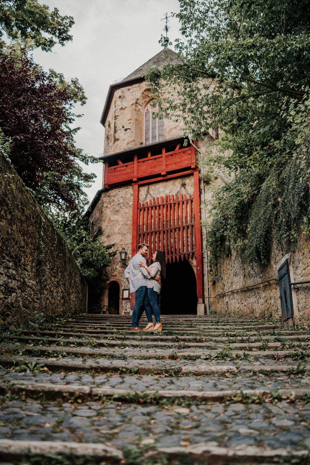 Schöne Burgen und Schlösser für Paarfotos, hier Schloss Braunfels in Hessen