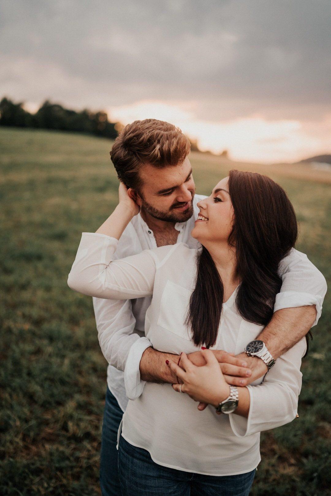 Ein Engagement-Shooting ist so wertvoll, weil Hochzeitspaare an ihrem Hochzeitstag viel entspannter an die Fotografie herangehen können, da sie den Fotografen und seinen Arbeitsstil kennen gelernt haben