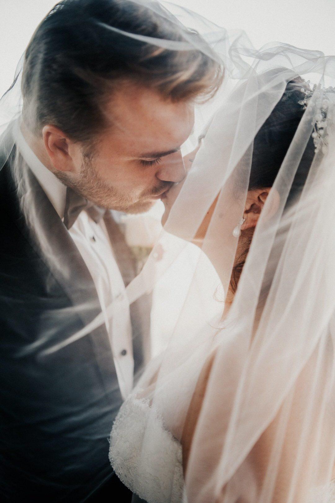 Italienische Vintage Sommer-Hochzeit mit Trauung im wetzlarer Dom und Feier in einer Hochzeitslocation in Giessen