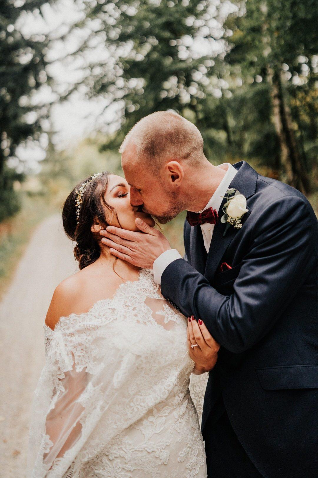 Herbstliche Boho-Hochzeit, das Hochzeitspaar-Shooting in Wiesbaden im Naturpark Rhein-Taunus