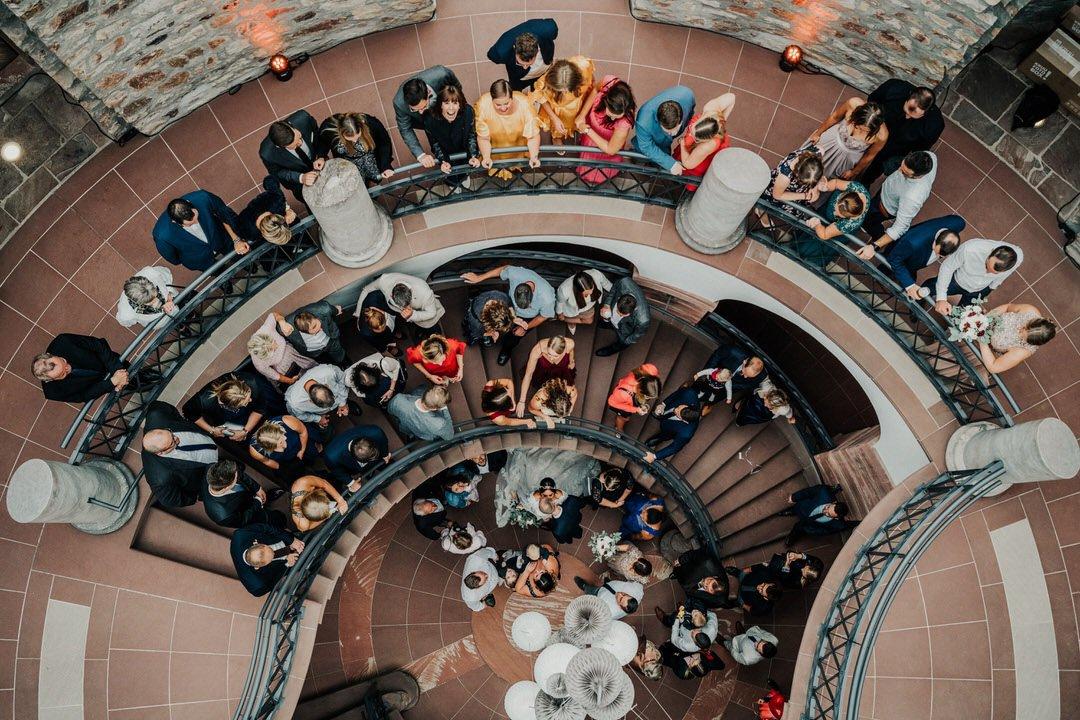 Hochzeits-Gruppenfoto Suchbild
