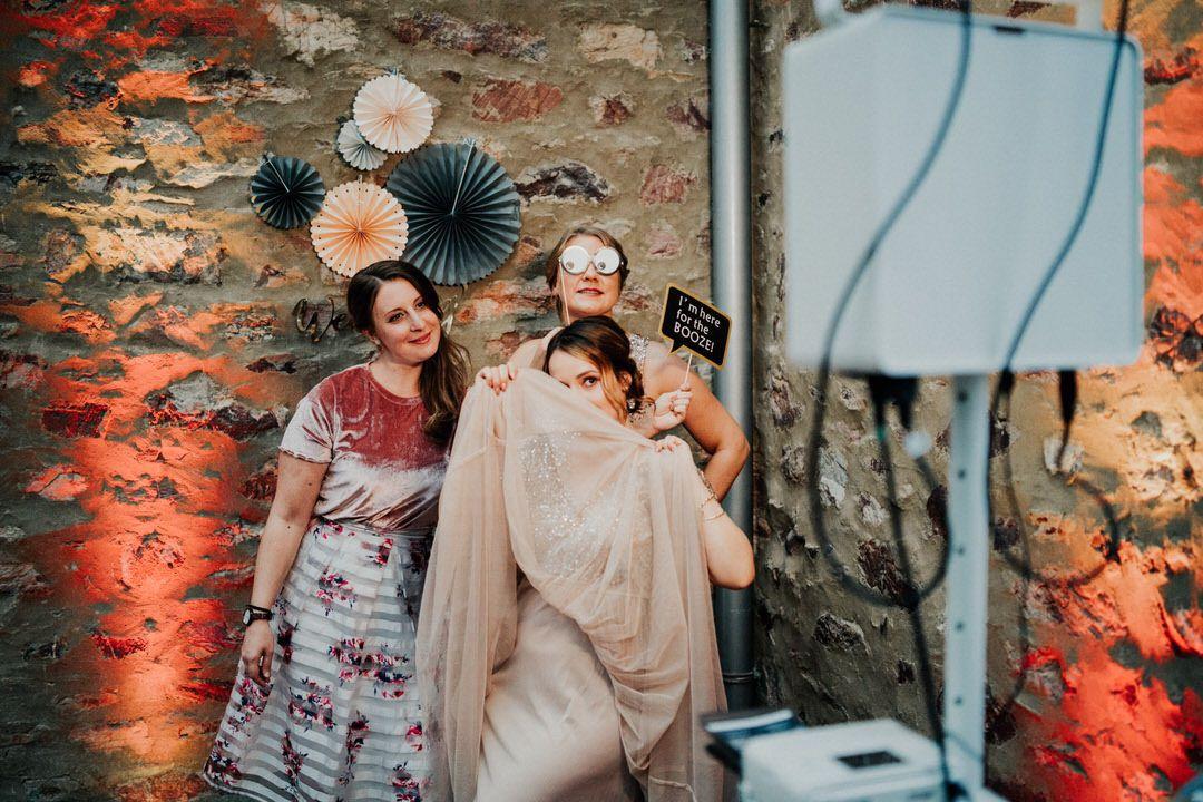 Photobooth bei einer Boho-Hochzeit in Wiesbaden