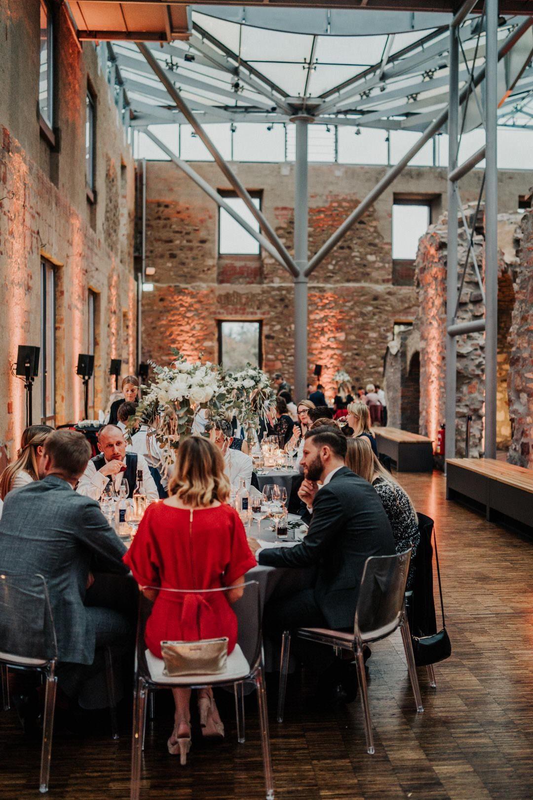 Feiern im Jagdschloss-Platte, Location für Boho-Hochzeiten in Wiesbaden