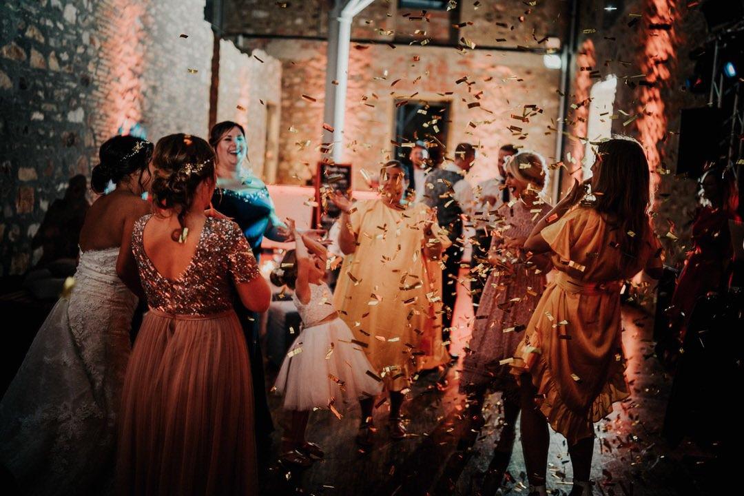 Hochzeitsfotos bei der Party, Reportagefotografie in Wiesbaden und Mainz