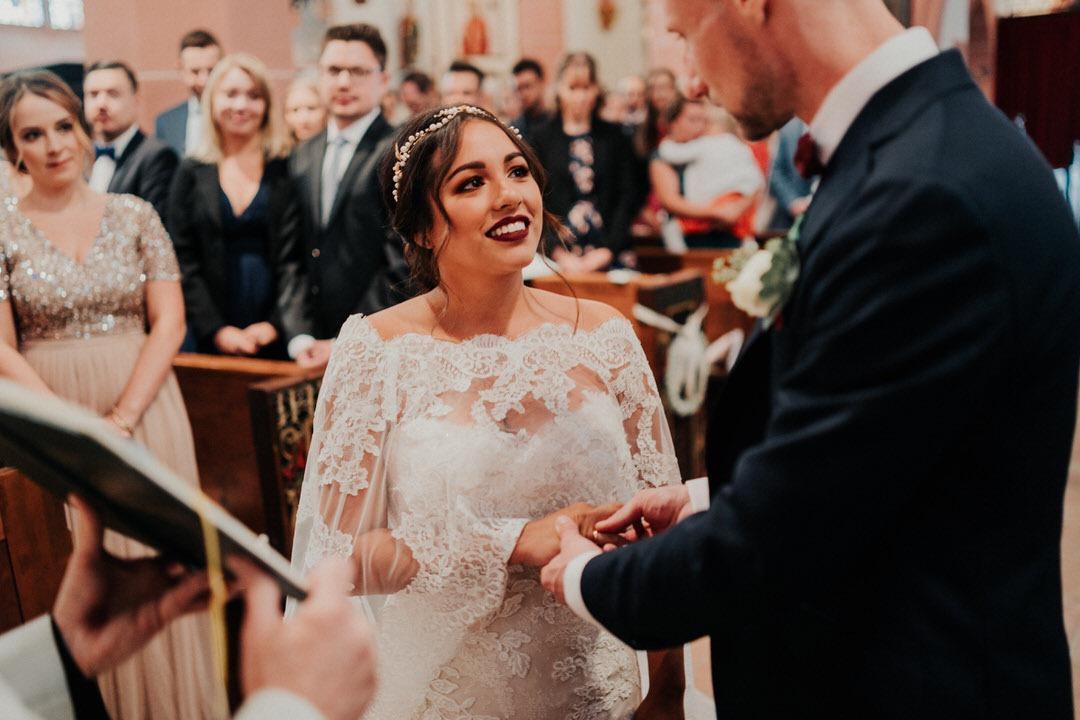 Ringübergabe bei der Boho-Hochzeit, eine Fotoreportage in Wiesbaden
