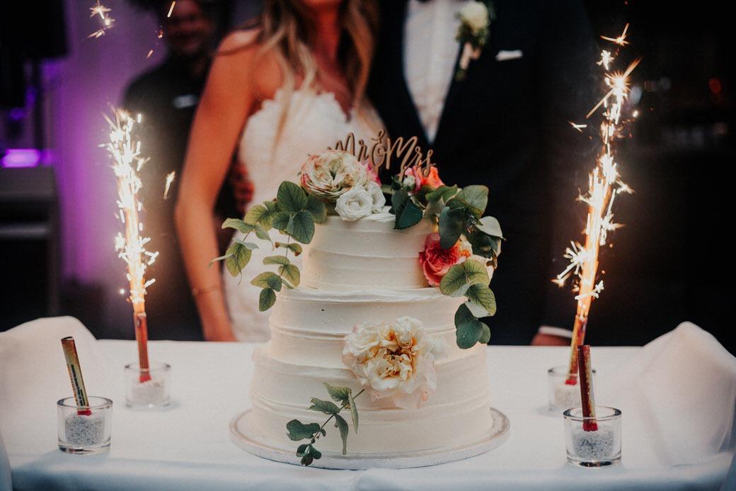 Boho-Hochzeitstorte bei den Hochzeitsfotos in Limburg, Hessen