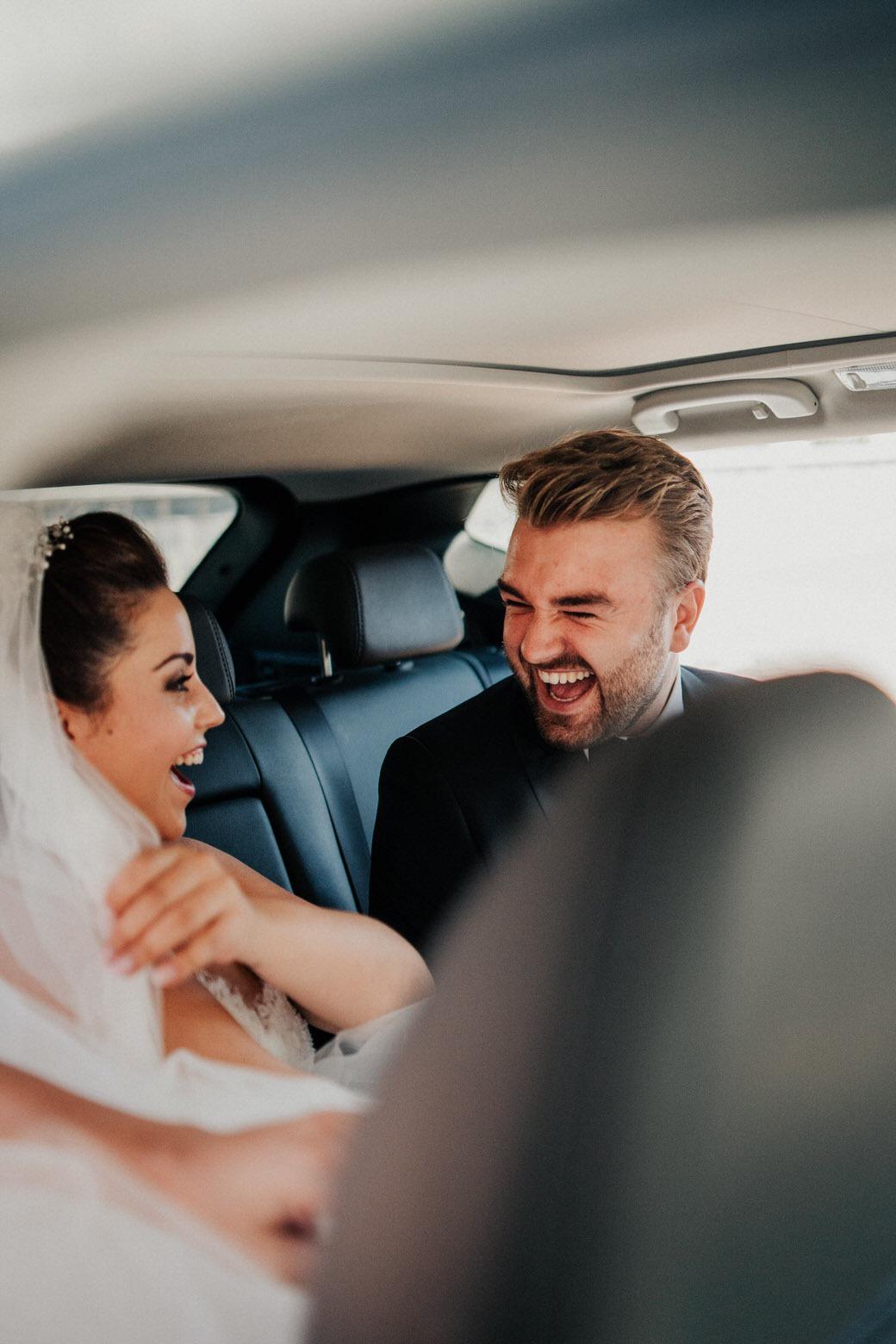Candid Hochzeitsmoment bei einer italienischen Hochzeit in Gießen