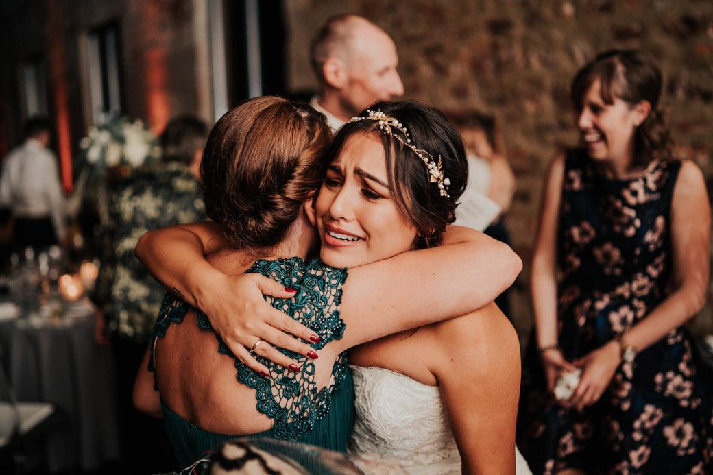Emotionale Momente bei einer Hochzeitsreportage im Jagdschloss Platte, Wiesbaden