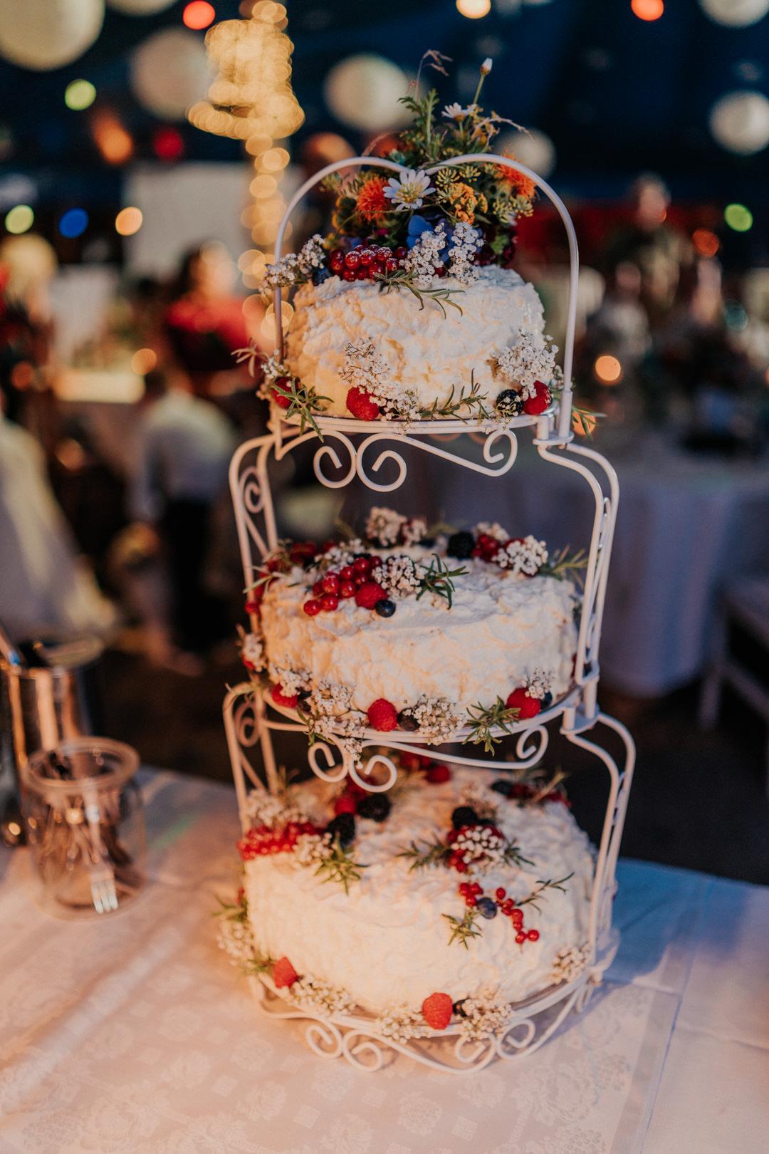 Wunderschöne Hochzeitstorte für Vintage Hochzeit