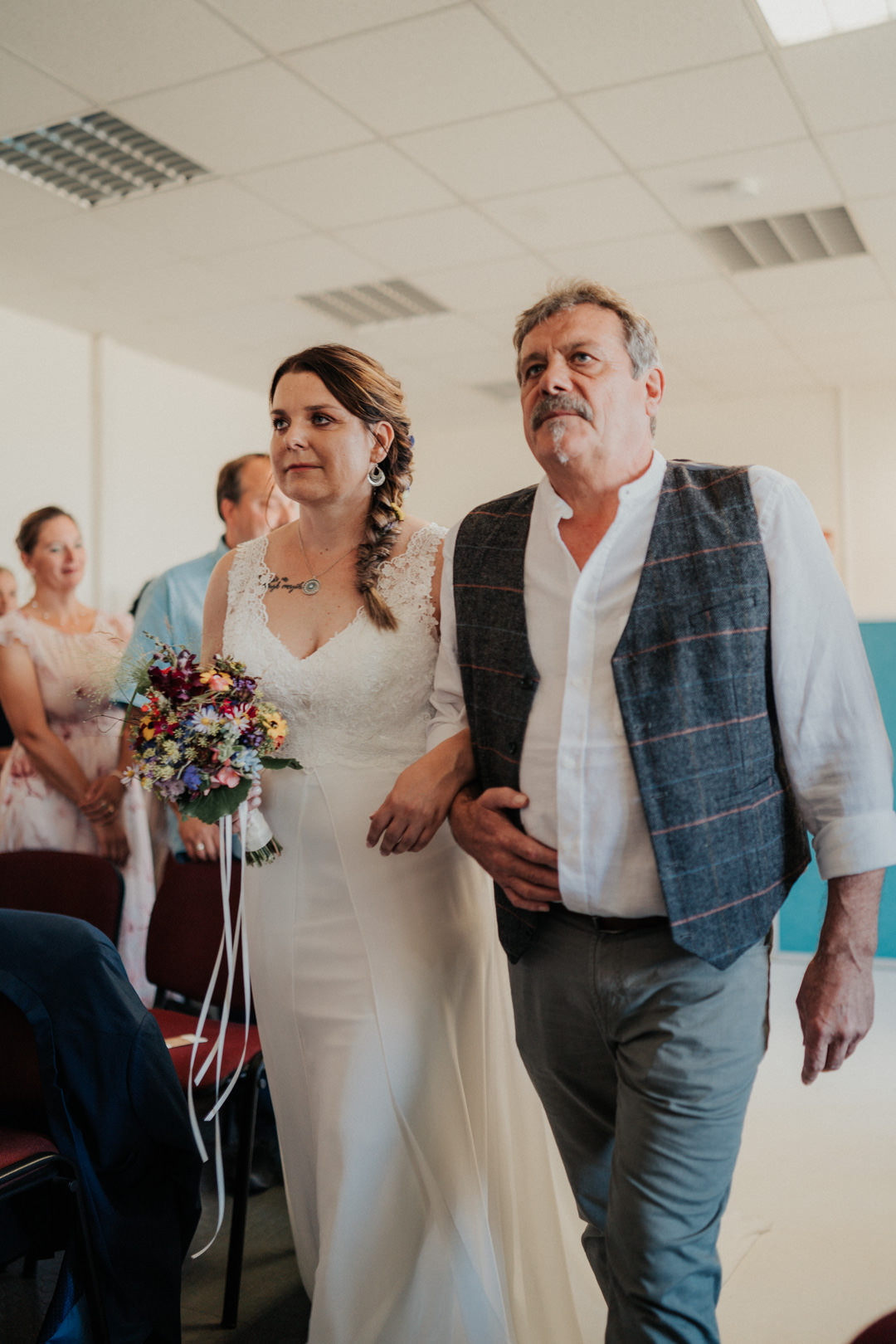 Einmarsch der Braut am Arm ihres Vaters